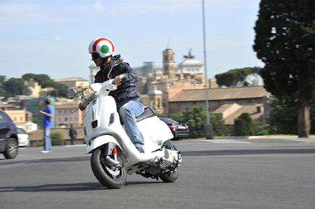 Visit-rome-with-a-vespa-rent-a-vespa-for-a-Rome-tour