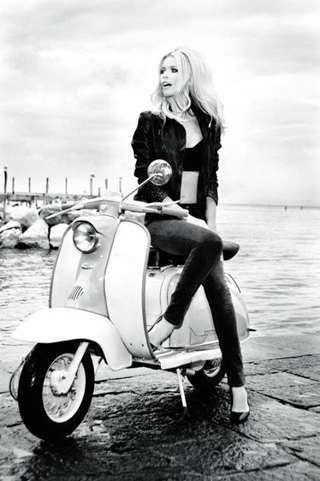 Brigitte-bardot-vespa-rent-rome