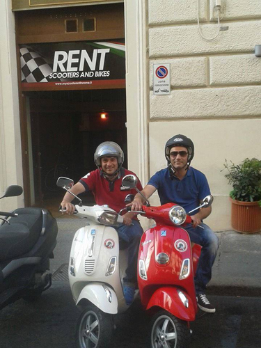 My-scooter-rent-in-rome-staff